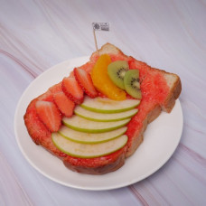 ขนมปังปิ้งแยมสตรอเบอรี่ผลไม้สด